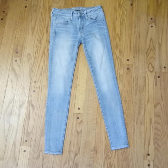 AMERICAN EAGLE JEGGING JEANS 2 R LOW RISE